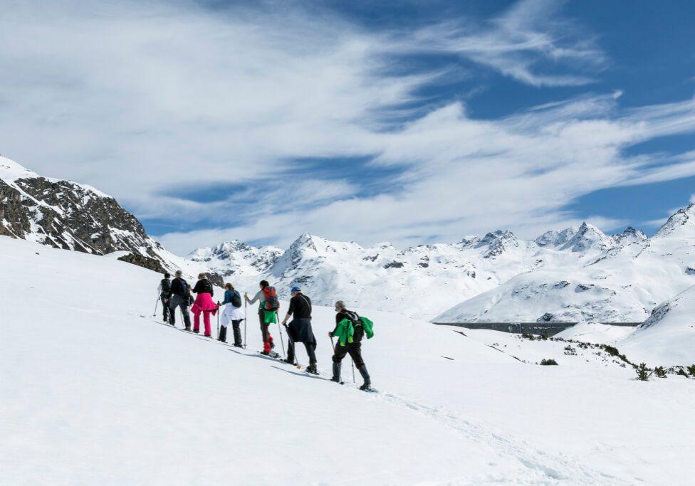 hotel-auhof-schruns-montafon-winter-schneeschuhwandern-silvrettasee